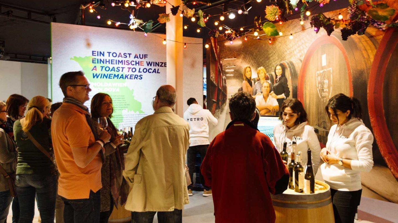 004 Metro Ausstellung Milla