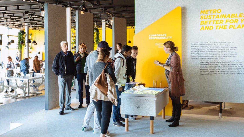 012 Metro Ausstellung Milla